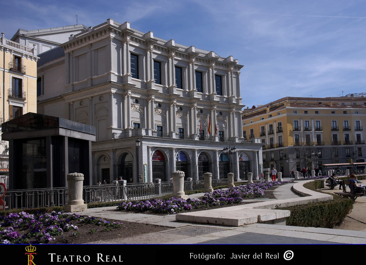 Teatro Real front 30