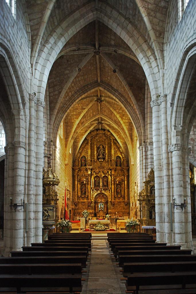 Semana Santa Covarrubias08. Ex Colegiata de San Cosme y San Damian