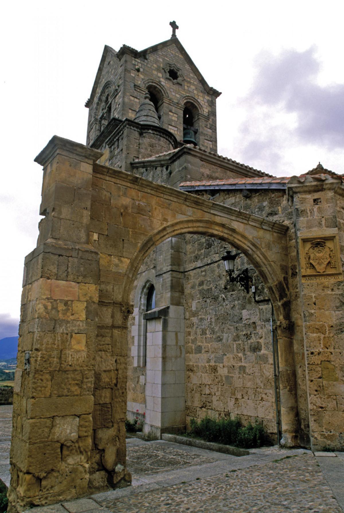 Frias02. Iglesia de San Vicente Martir
