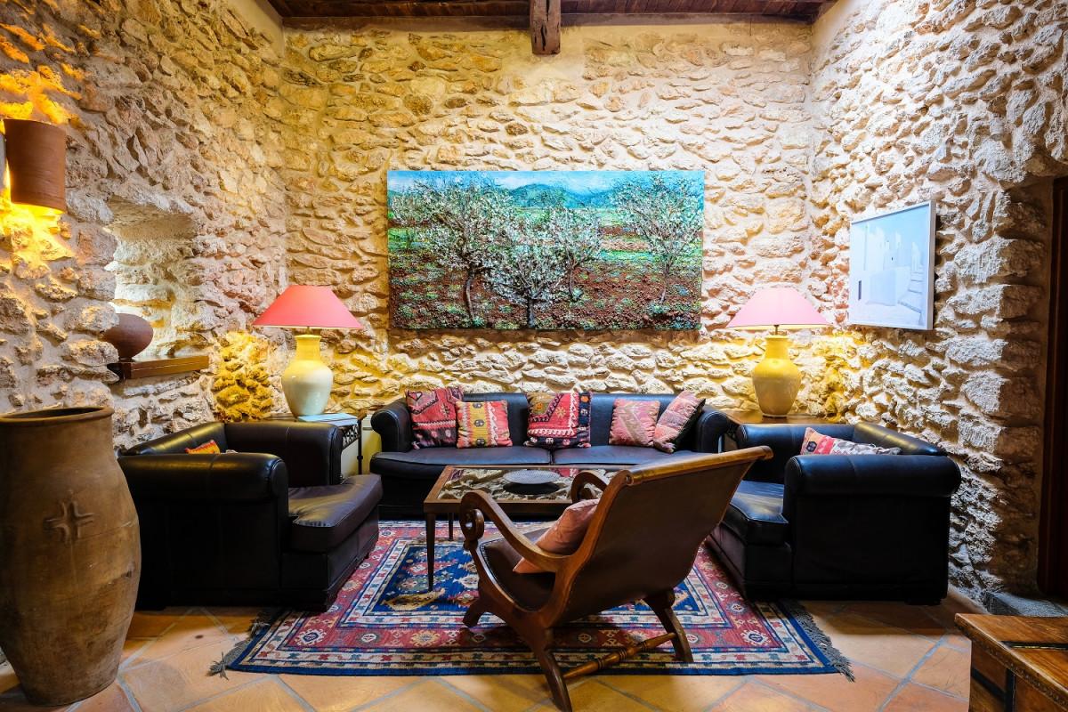 Living room access to the the superior con saln nr 4 casa de baix
