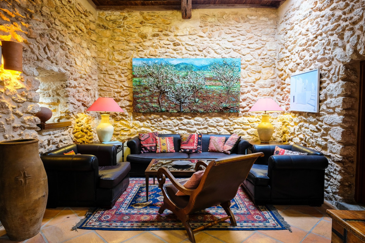 Living room access to the the superior con saln nr 4 casa de baix