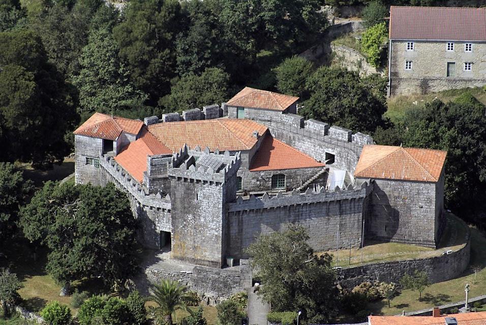 A coruu00f1a castillo de vimianzo