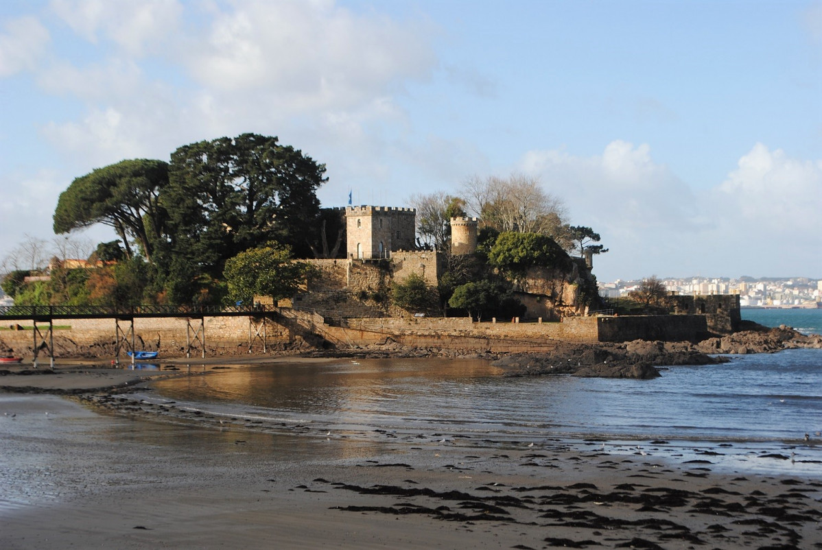 A coruu00f1a  O castillo de Santa Cruz 1538 (2)
