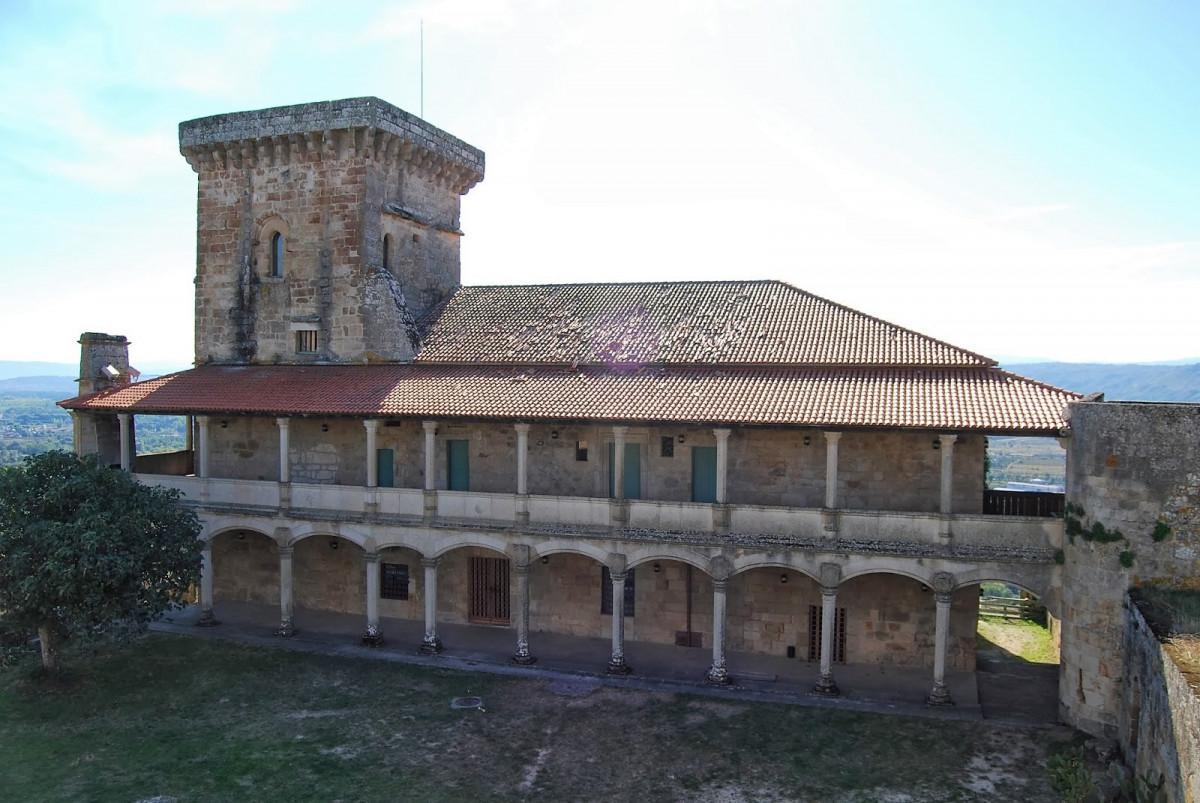 Ourense Castillo de Monterrei interior