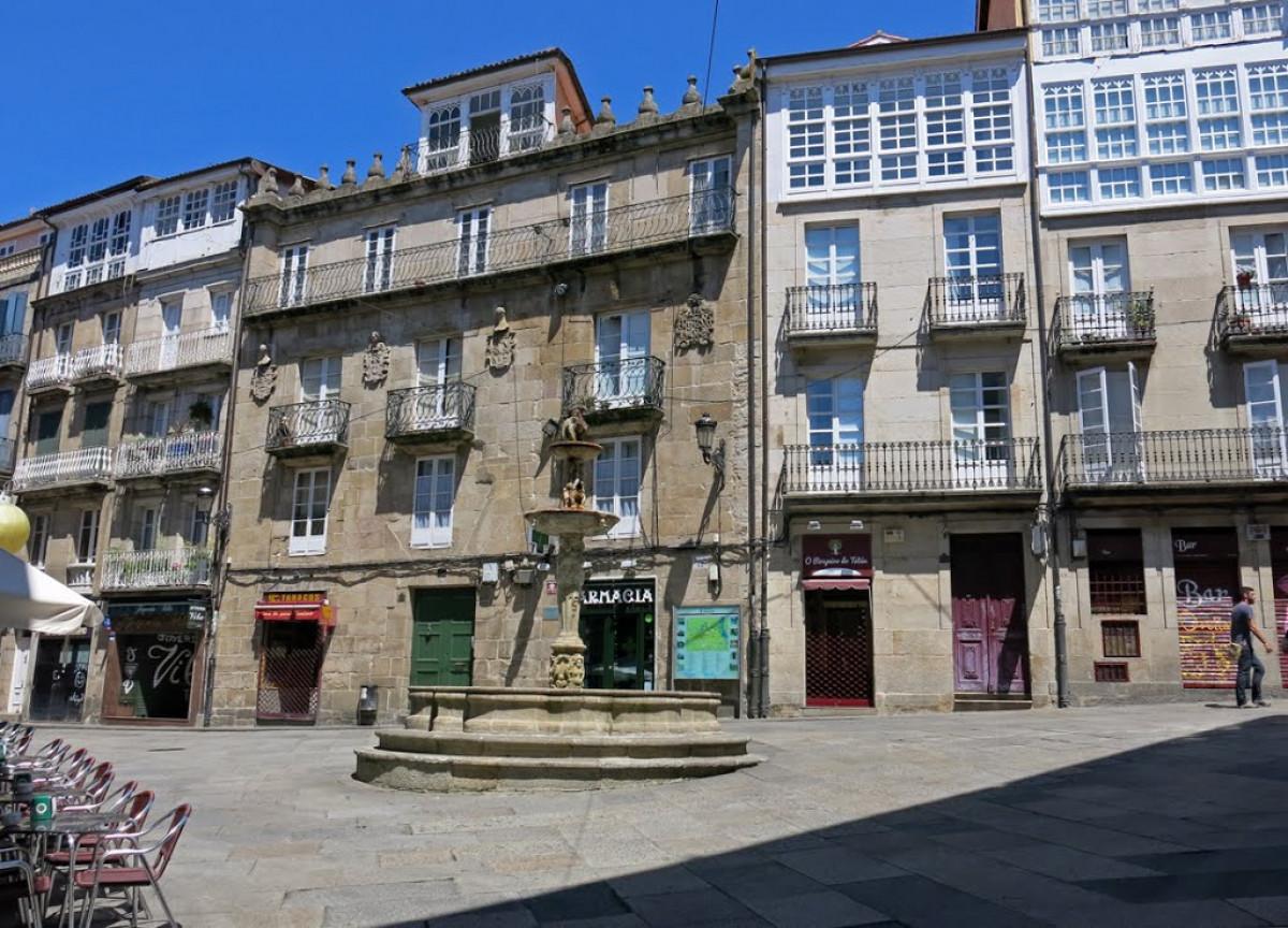 Ourense Fonte na Praza do Ferro.