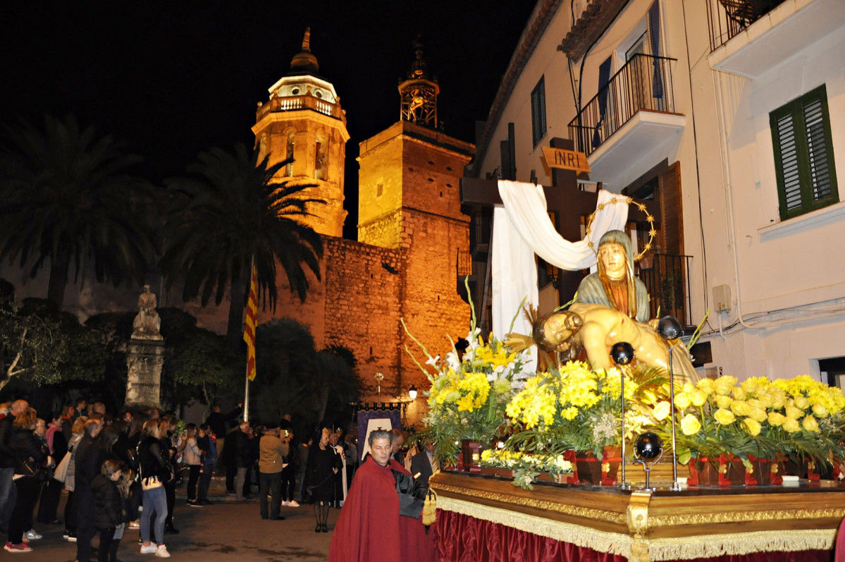 01 Sitges Procesion min