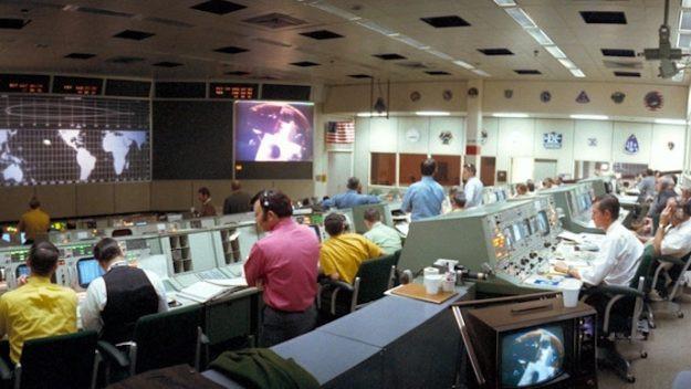 Centro Control Misión Apolo