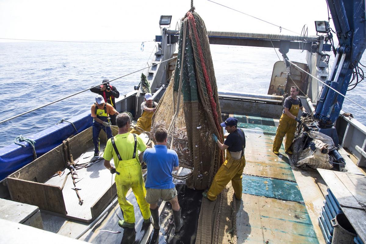 CASTELLu00d3N (junio 2019) Pescaturismo recogid de redes