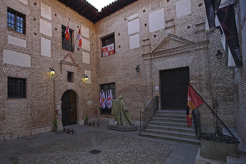 Palacio Real Testamentario de Isabel la Catolica01