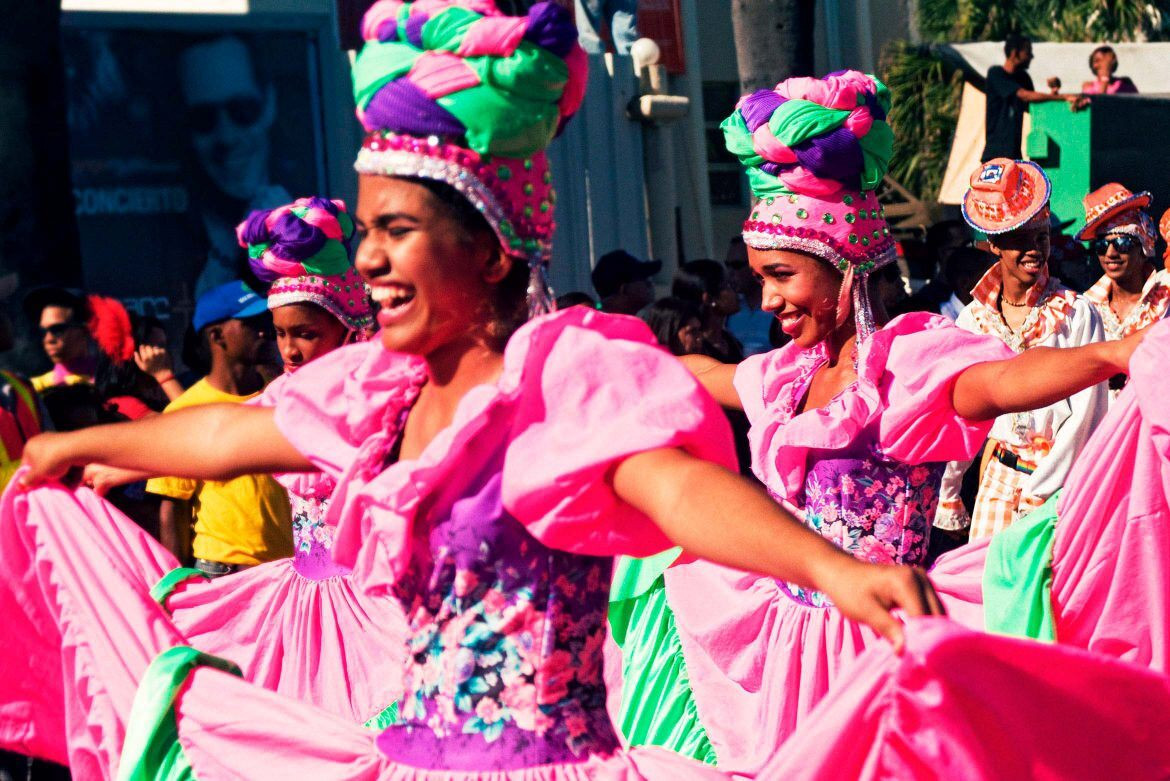 Pin and travel carnaval santo domingo 1170x781