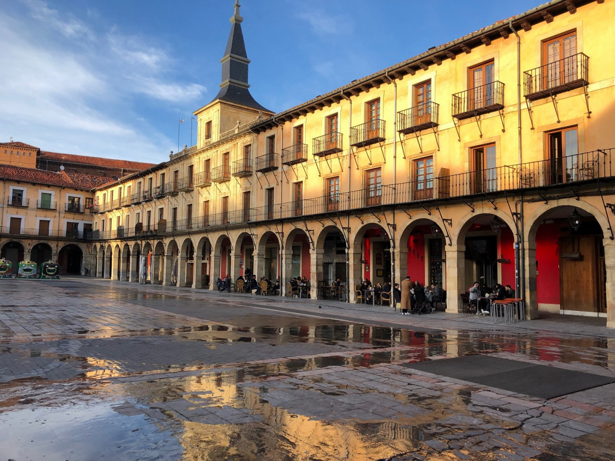 Leon Plaza Mayor de Leu00f3n  2020 1536