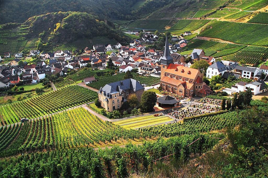 Weinanbaugebiet Ahr: Mildes Klima und charmante Dörfer | Expedia Explore