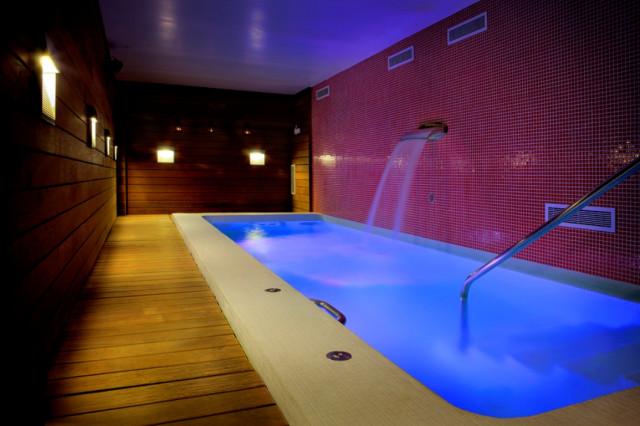Escapada relax 10 hoteles con spa en espa a for Hoteles romanticos en madrid con piscina o jacuzzi privado