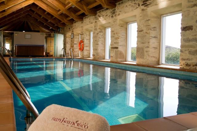 10 hoteles hist ricos para un viaje al pasado - Piscinas santiago de compostela ...