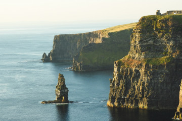 Irlanda Cliffs of Moher, Ireland henrique craveiro ezJhm4xrHAM unsplash 1600