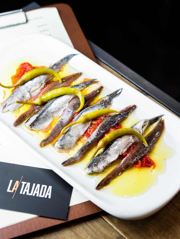 Matrimonio, Pimiento dulce asado con anchoas de Cantu00e1brico y piparras con Boquerones en vinagre, La Tajada 1500